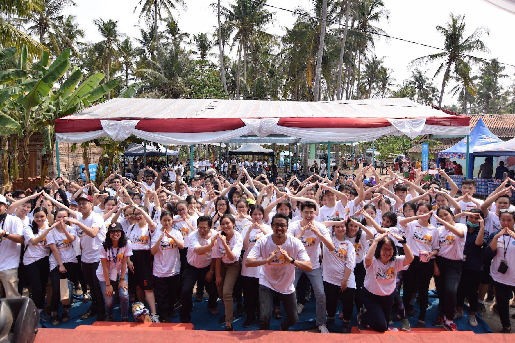 Habitat for Humanity Indonesia Rayakan Sumpah Pemuda dalam Kegiatan #28uild bersama Relawan